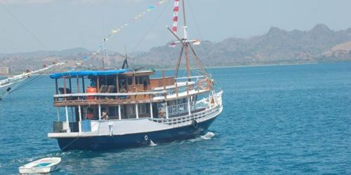 cabin_boat_labuan_bajo