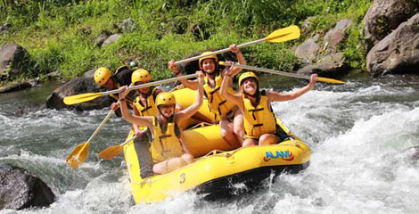 What-To-Wear-White-Water-Rafting-Bali