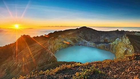 kelimutu colored lake- kelimutu tour packages